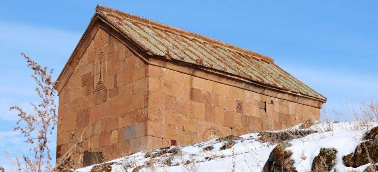 საღამოს X საუკუნის დარბაზული ეკლესია